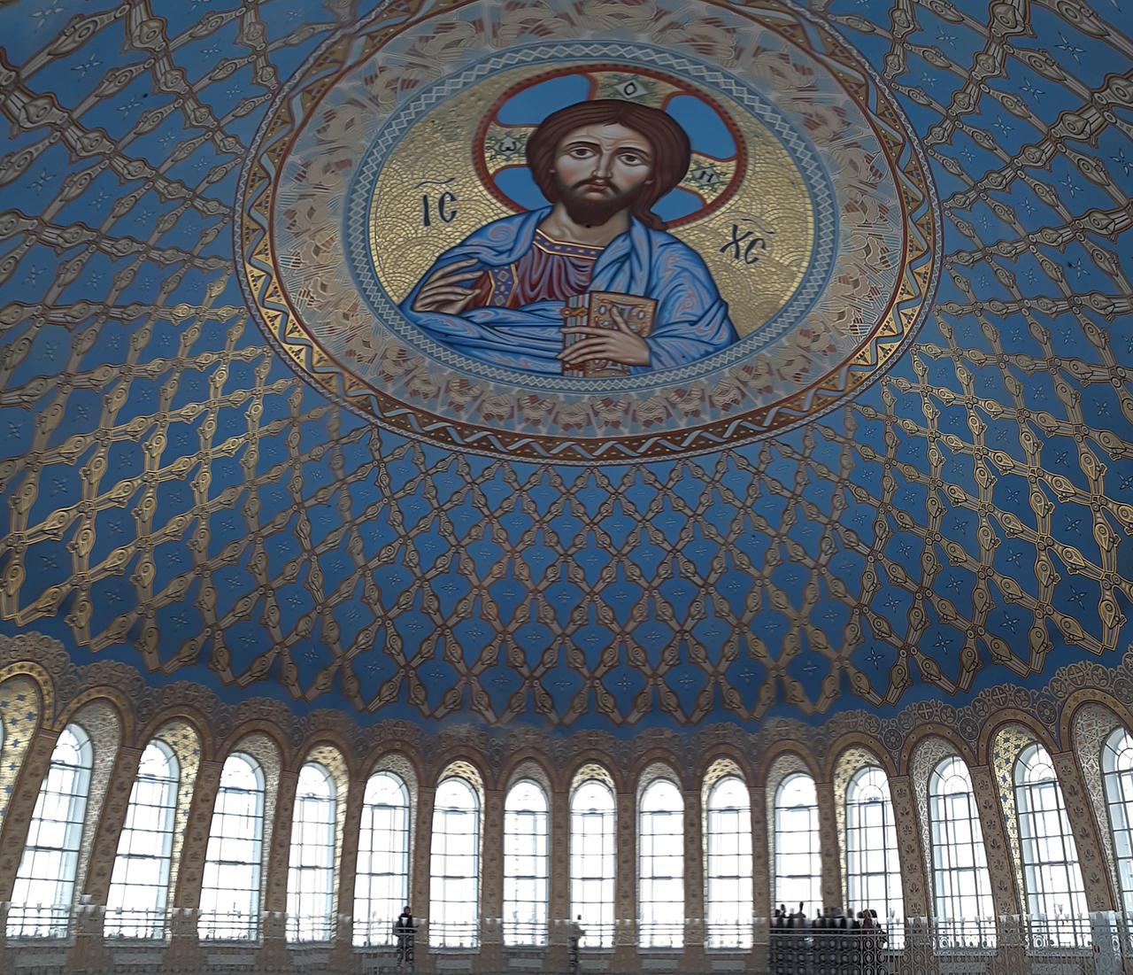 Купол Кронштадтского Морского собора с изображением Хреста Пантократора.