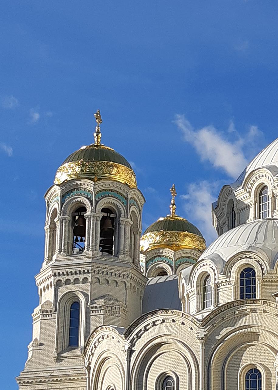 Колокольная башня кронштадтского Морского собора.